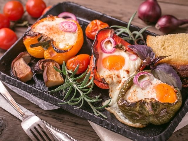 Stuffed Bell Peppers with Eggs Recipe - Pro-Recipes.com