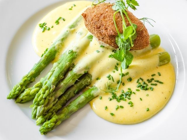 Asparagus and Onion Fricassee Recipe