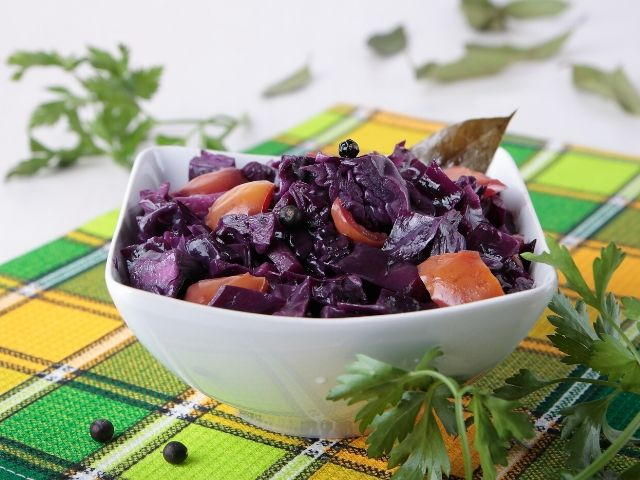 Red Cabbage with Wild Berries Stew Recipe (VEGAN)