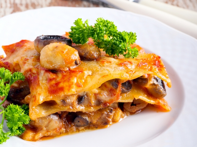 Vegetarian Mushroom Lasagna Recipe with Spinach